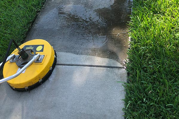Pressure Cleaning Sidewalk